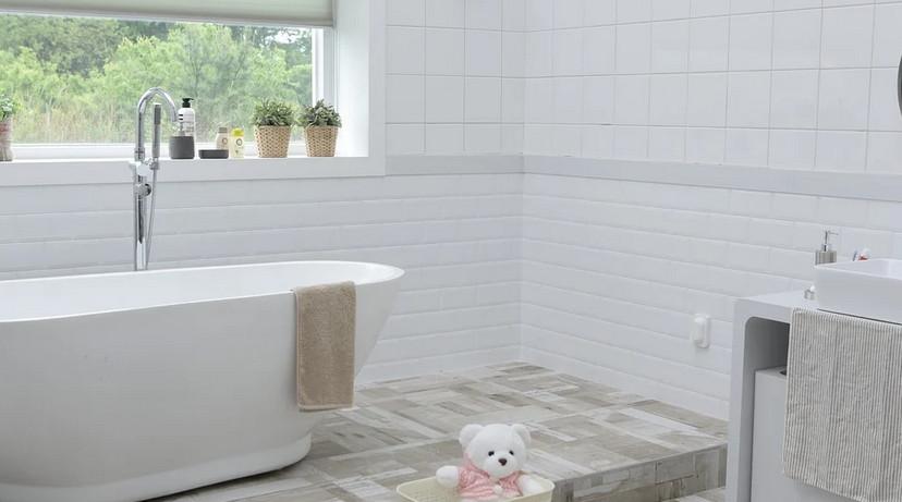 Combler les coins de sa salle de bain